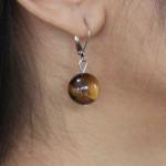 Boucles d'oreilles en oeil de tigre perle unique