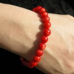 Bracelet corail rouge avec perles fines