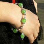 Bracelet tibétain en jade vert clair