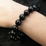 Bracelet en onyx avec perles larges