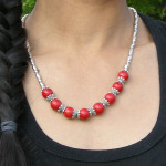 Collier tibétain de couleur rouge