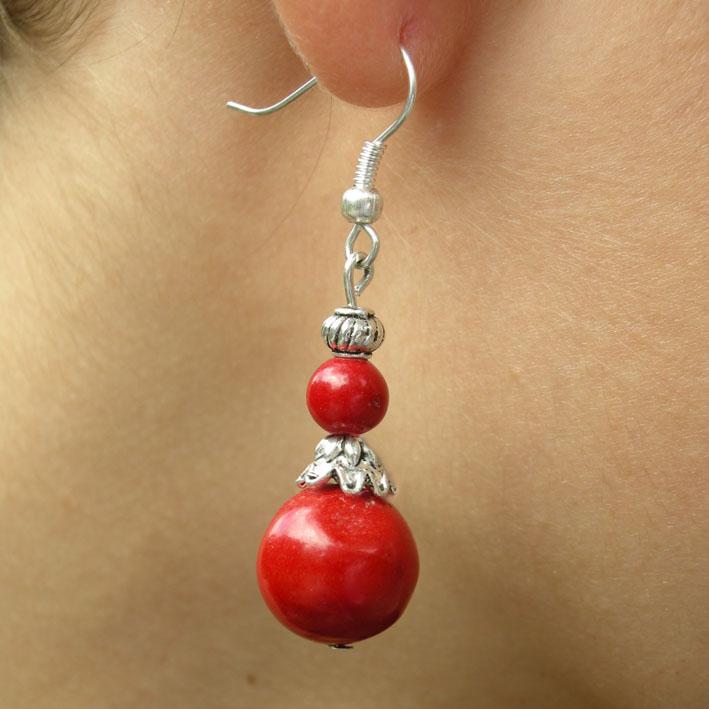 Boucle d'oreille or pierre rouge