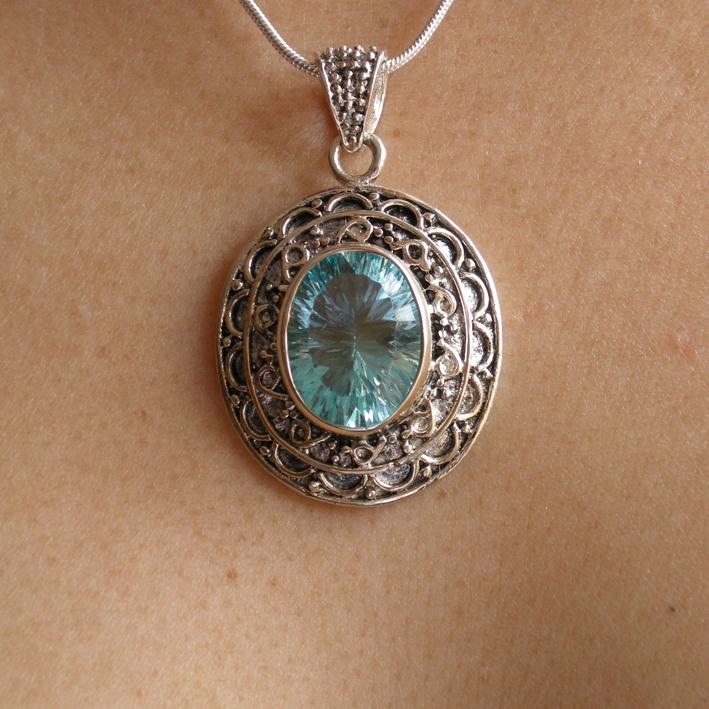 pendentif cristal bijoux femme en pierres semi pr cieuses jade lapis lazuli amethyste. Black Bedroom Furniture Sets. Home Design Ideas